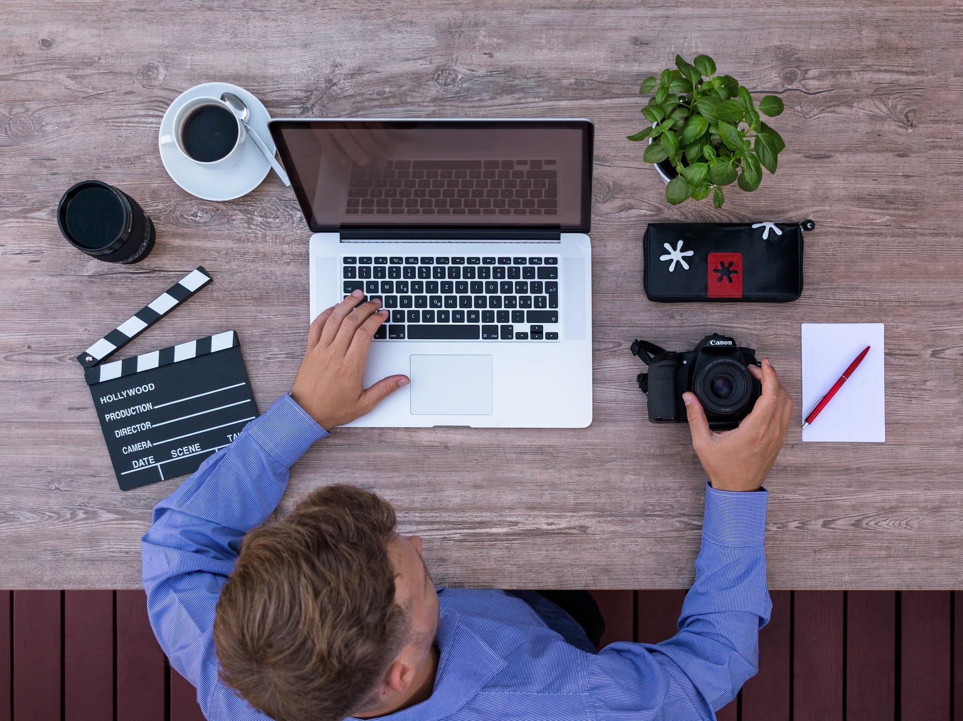 Freelance working photo