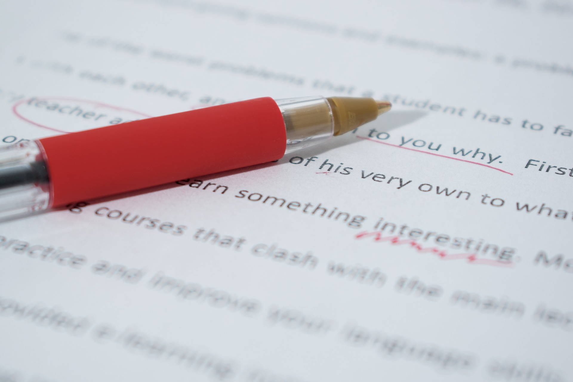 Screenwriting Grammar Mistakes article photo